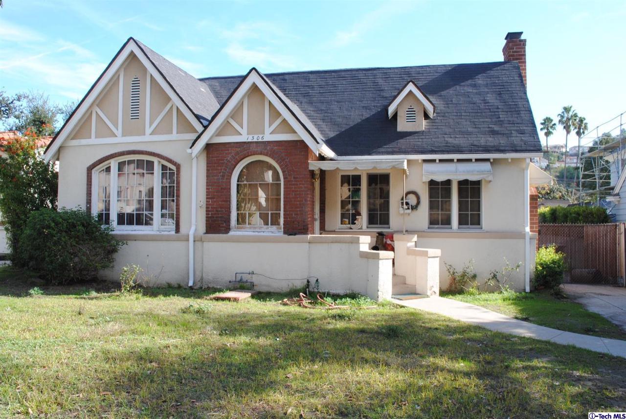 1306 Moncado Drive, Glendale, CA 91207