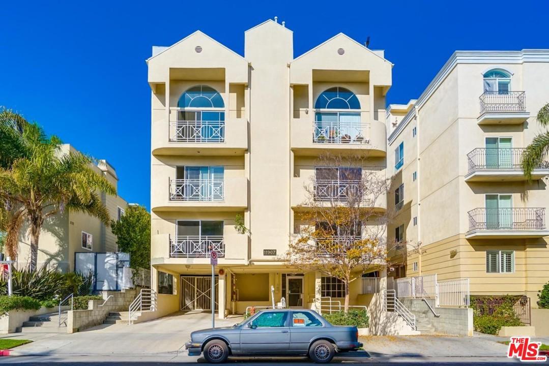 Photo of 11907 DARLINGTON Avenue #103, Los Angeles, CA 90049