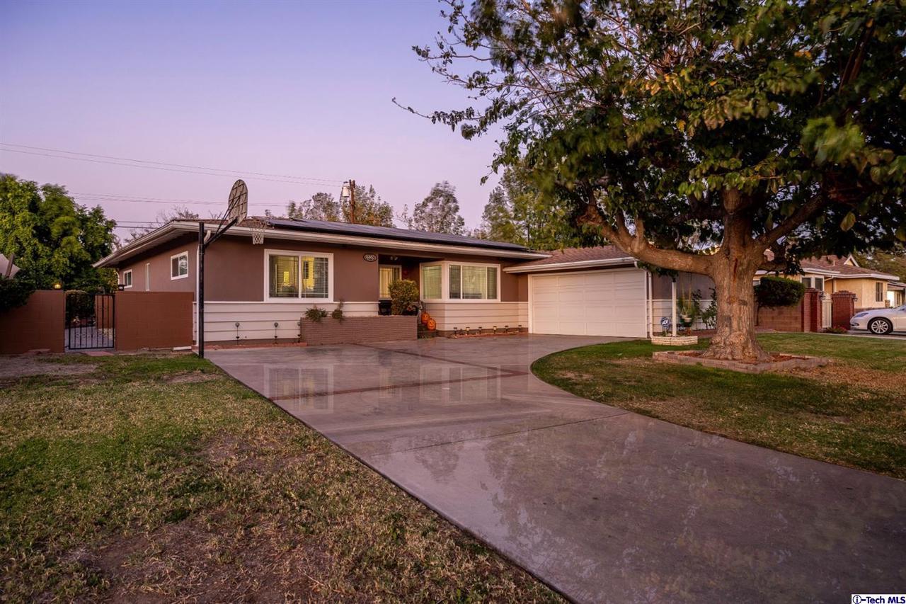 8360 DELCO Avenue, Winnetka, CA 91306