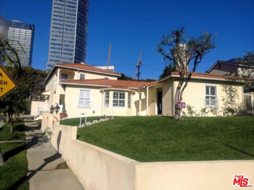 Photo of 2002 FOX HILLS Drive, Los Angeles, CA 90025