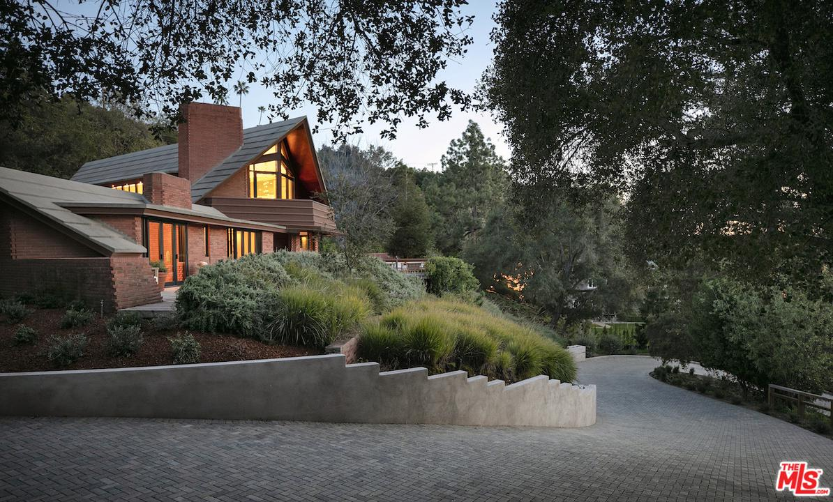 Photo of 14148 RUSTIC Lane, Pacific Palisades, CA 90272
