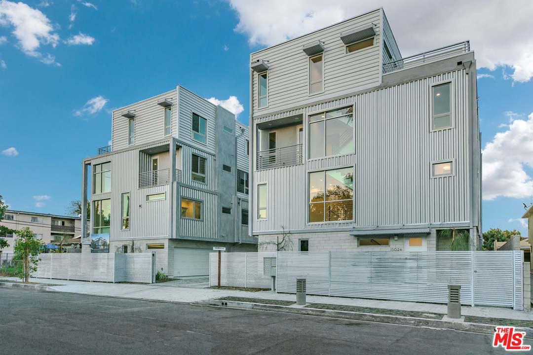 Photo of 6021 North BEACHWOOD Lane, Hollywood, CA 90038