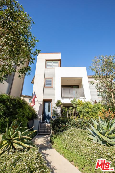 Photo of 12808 South SEAGLASS Circle, Playa Vista, CA 90094