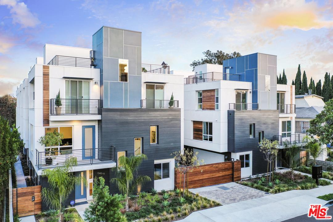 Photo of 1338 North SYCAMORE Avenue #5, Hollywood, CA 90028