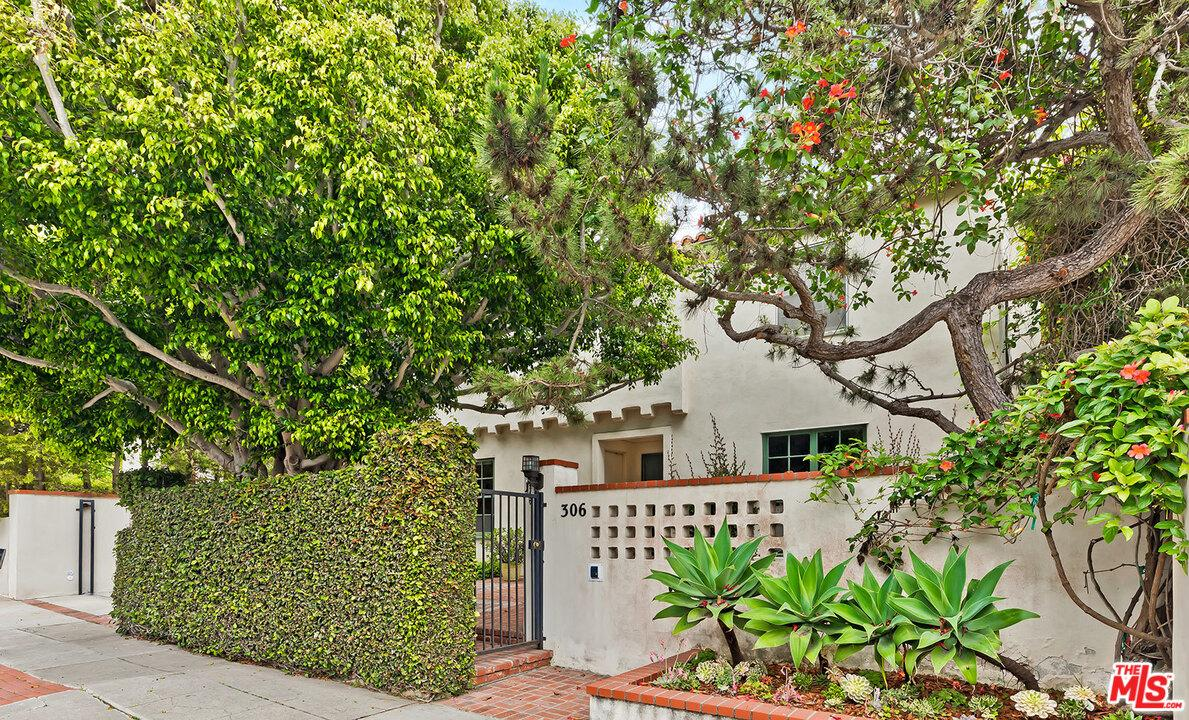 Photo of 306 AMALFI Drive, Santa Monica, CA 90402