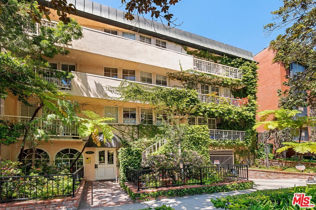 Photo of 933 HILGARD Avenue #202, Los Angeles, CA 90024