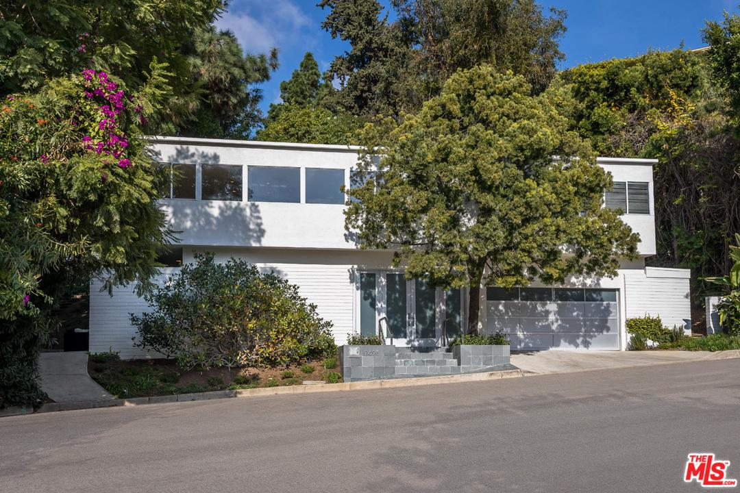 Photo of 9491 READCREST Drive, Beverly Hills, CA 90210