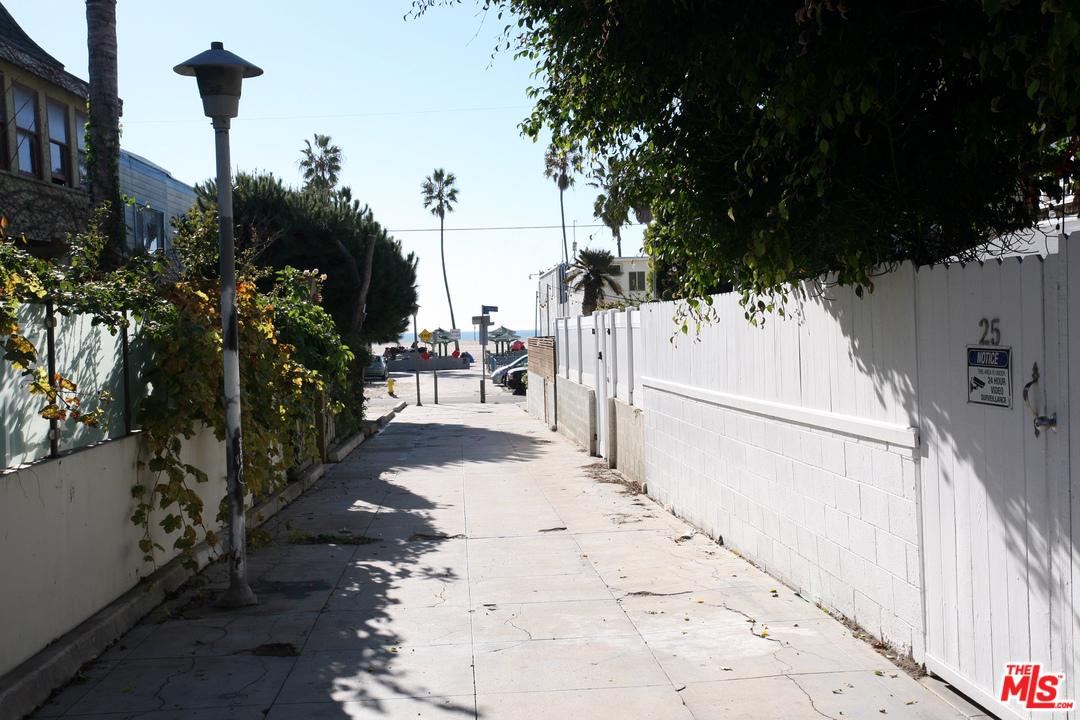 Property for sale at 25 CLUBHOUSE AVE, Venice,  CA 90291