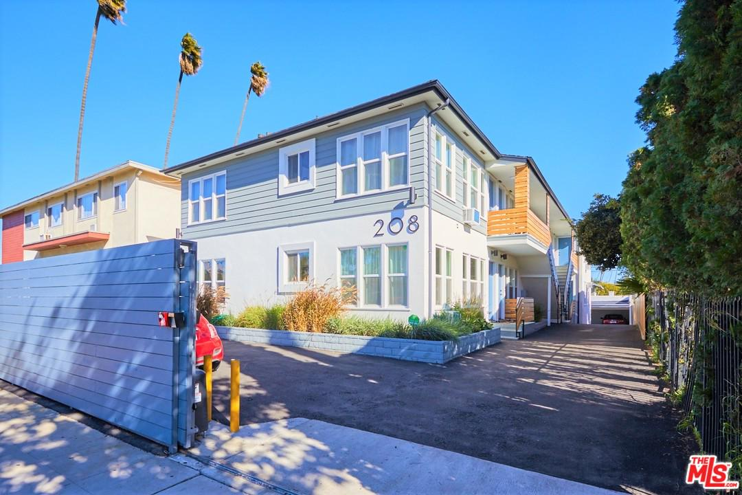 Property for sale at 208 S HARVARD, Los Angeles,  CA 90004