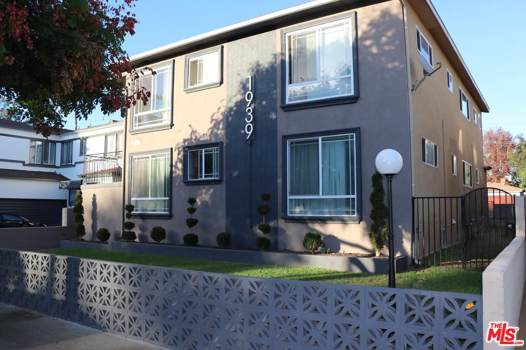 Property for sale at 1939 17TH ST, Santa Monica,  CA 90404