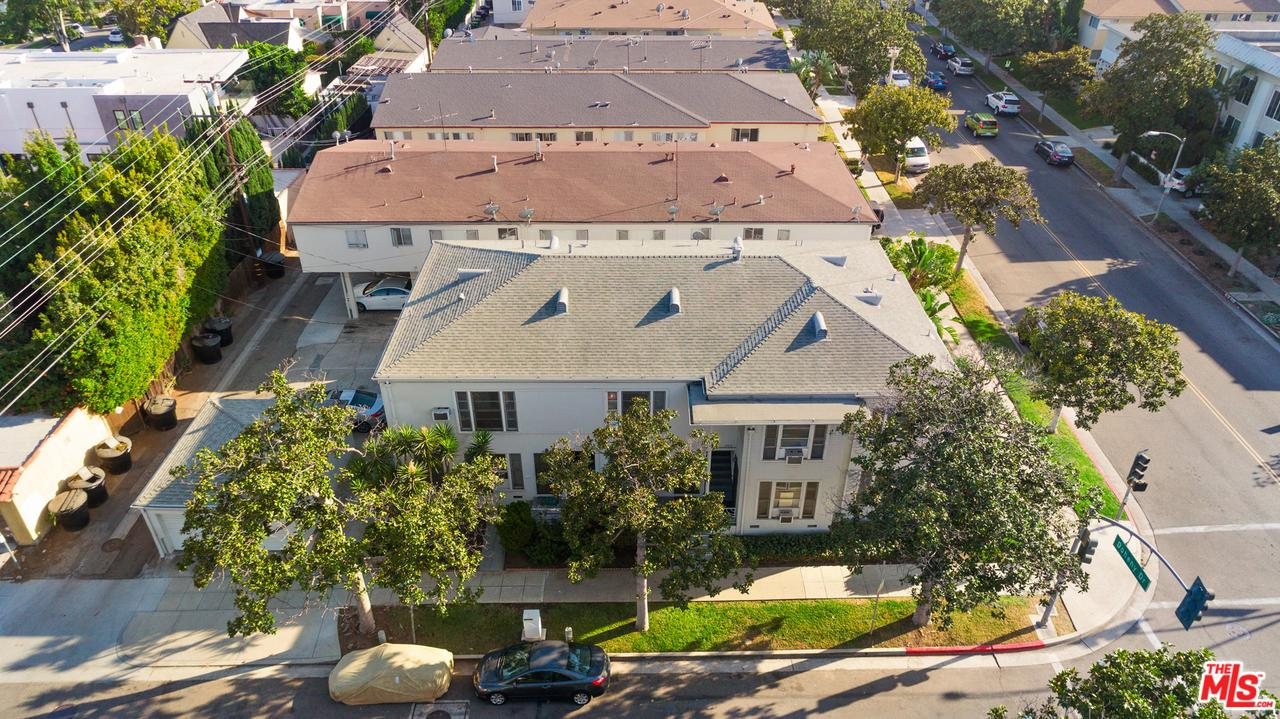 Property for sale at 300 S DOHENY DR, Beverly Hills,  CA 90211