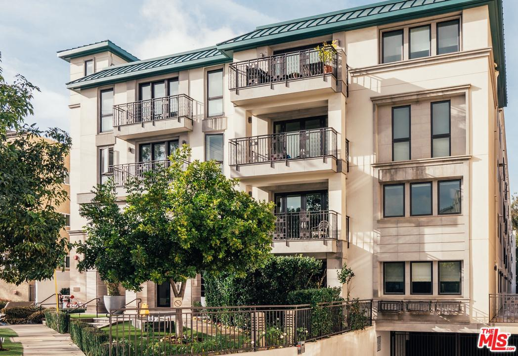 Property for sale at 441 S BARRINGTON AVE #206, Los Angeles,  California 90049