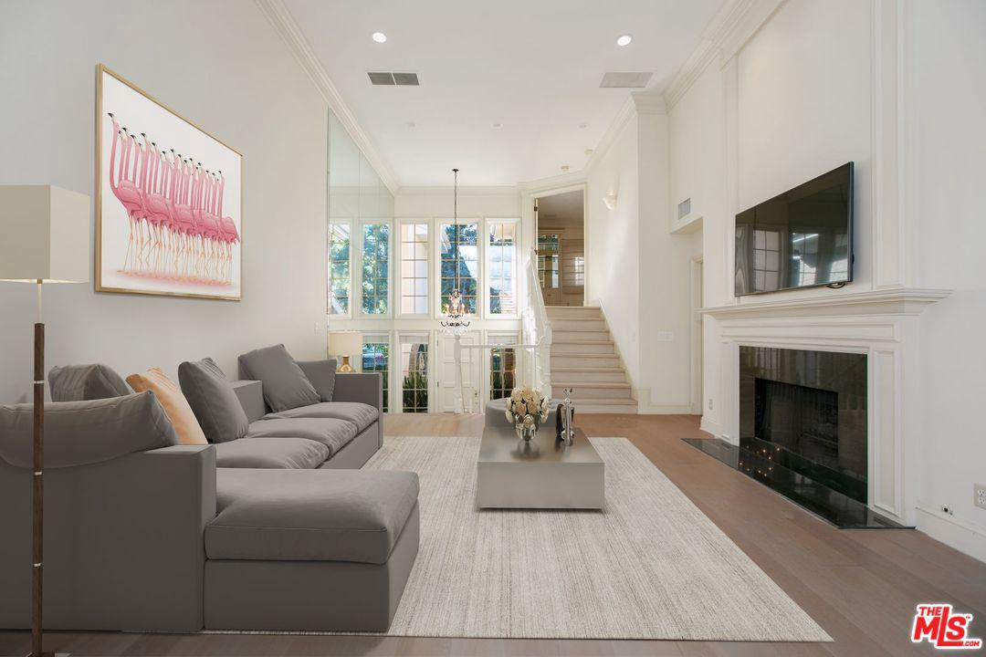 Property for sale at 12560 THE VISTA VIS, Los Angeles,  California 90049