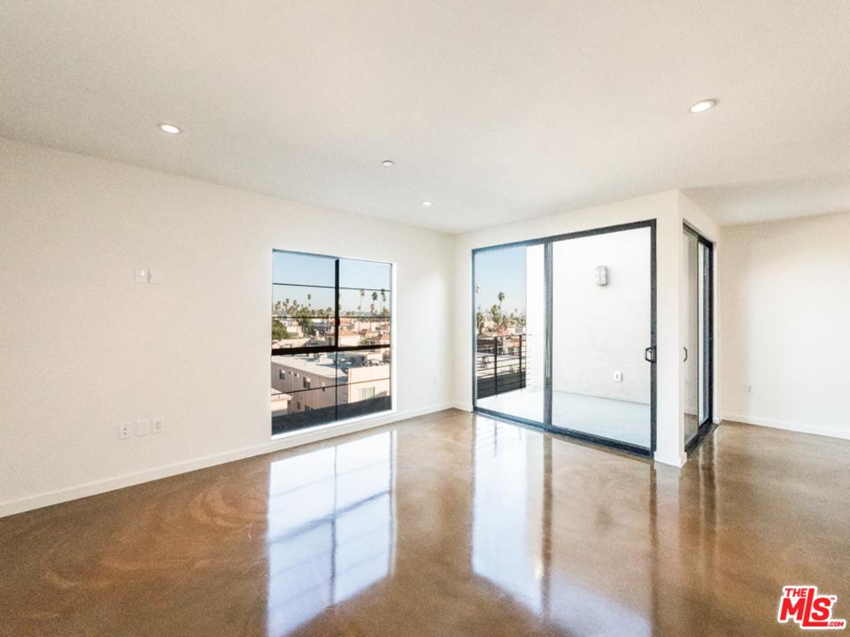 Property for sale at 5420 W HAROLD WAY, Los Angeles,  California 90027