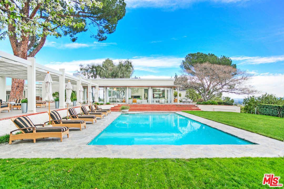 9361 FARRALONE Avenue, Chatsworth, CA 91311