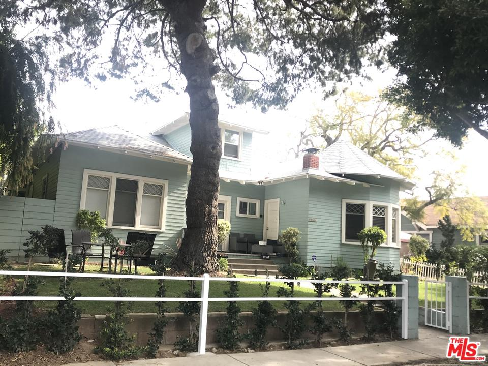 Property for sale at 1815 10TH ST, Santa Monica,  California 90404