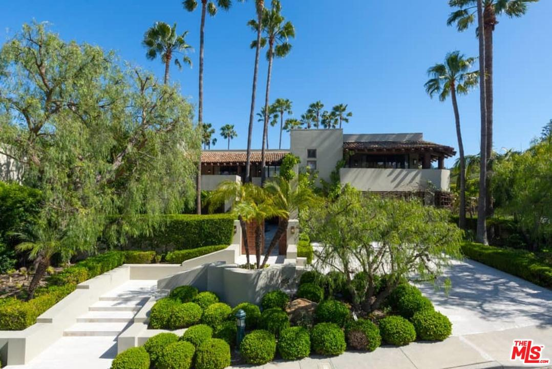 Photo of 3348 CLERENDON RD, Beverly Hills, CA 90210