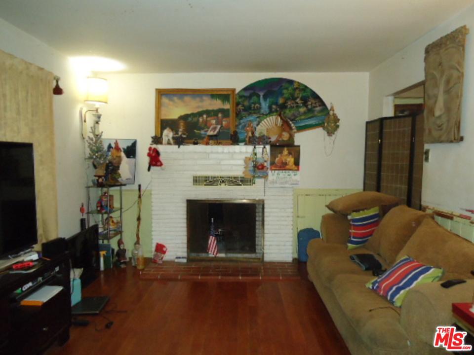 Photo of 10557 ENCINO AVE, Granada Hills, CA 91344