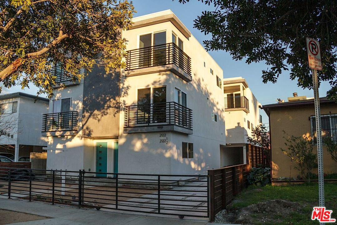 Property for sale at 2124 CARMONA AVE, Los Angeles,  California 90016