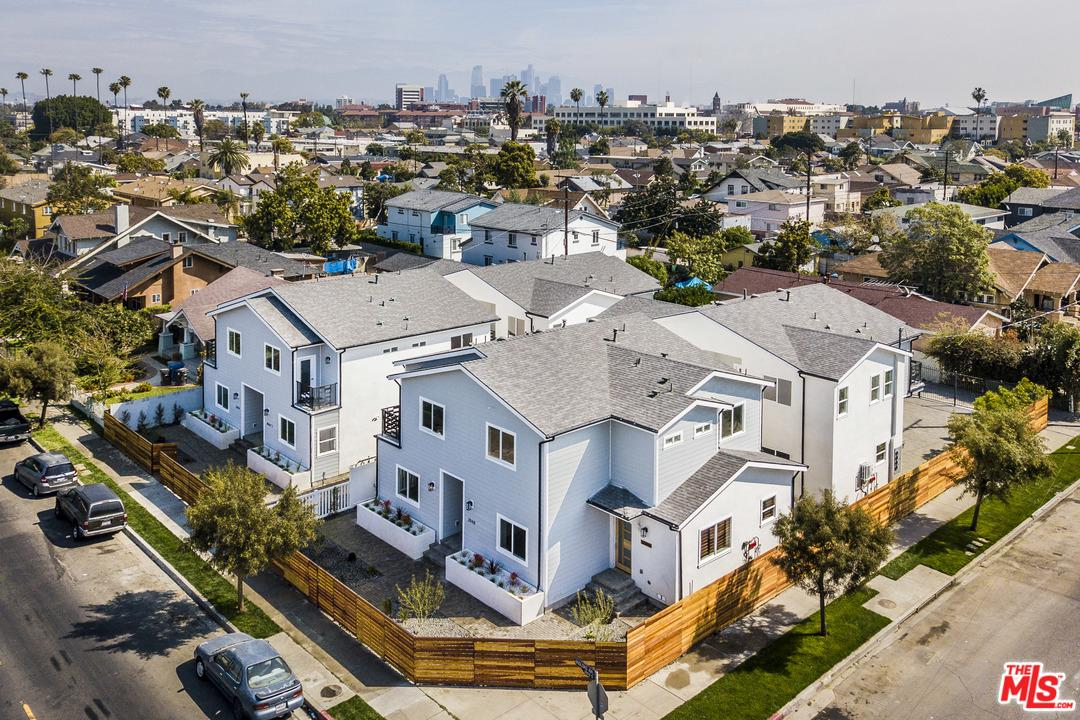 Property for sale at 1135 LEIGHTON AVE, Los Angeles,  California 90037