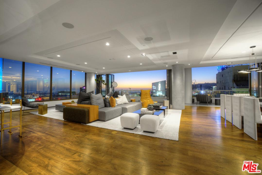 Property for sale at 6250 HOLLYWOOD BLVD #PH15i, Los Angeles,  California 90028