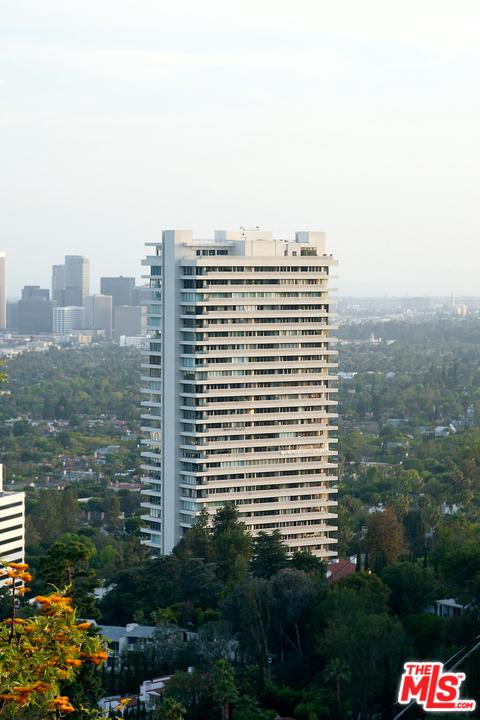 Property for sale at 9255 DOHENY RD #2702, Los Angeles,  California 90069