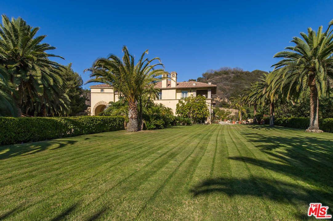 75 BEVERLY PARK Lane Beverly Hills, CA 90210
