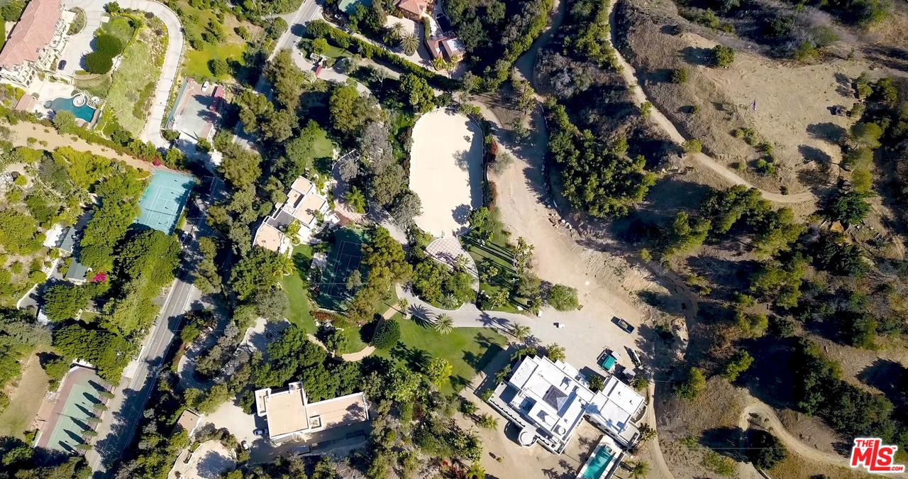 2727 BENEDICT CANYON Drive Beverly Hills, CA 90210