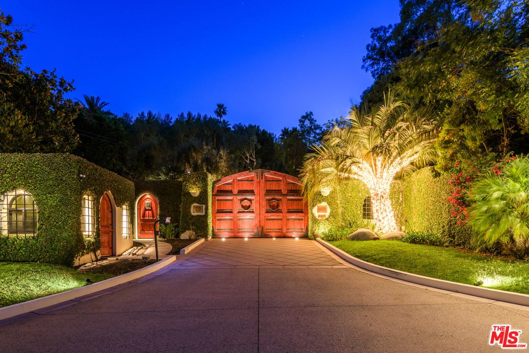 Photo of 2727 BENEDICT CANYON DR, Beverly Hills, CA 90210