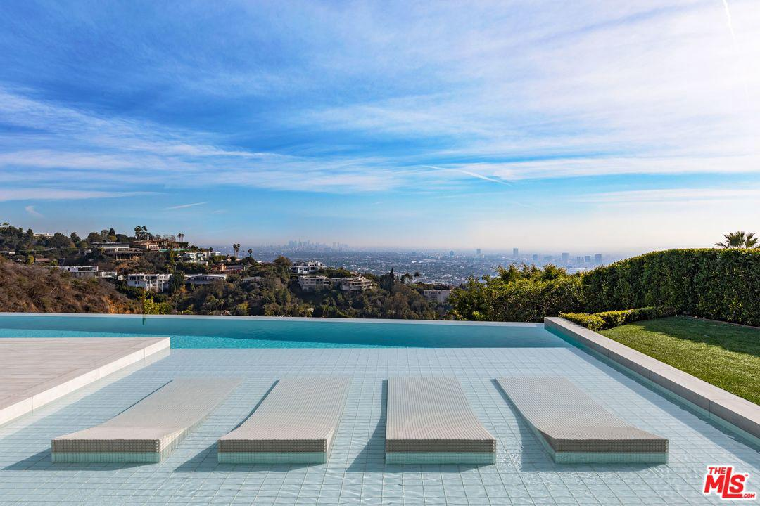 1175 North Hillcrest Road Beverly Hills Ca 90210 Sotheby S International Realty Inc