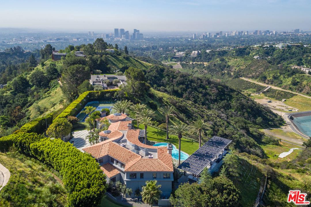 Photo of 9719 HEATHER RD, Beverly Hills, CA 90210