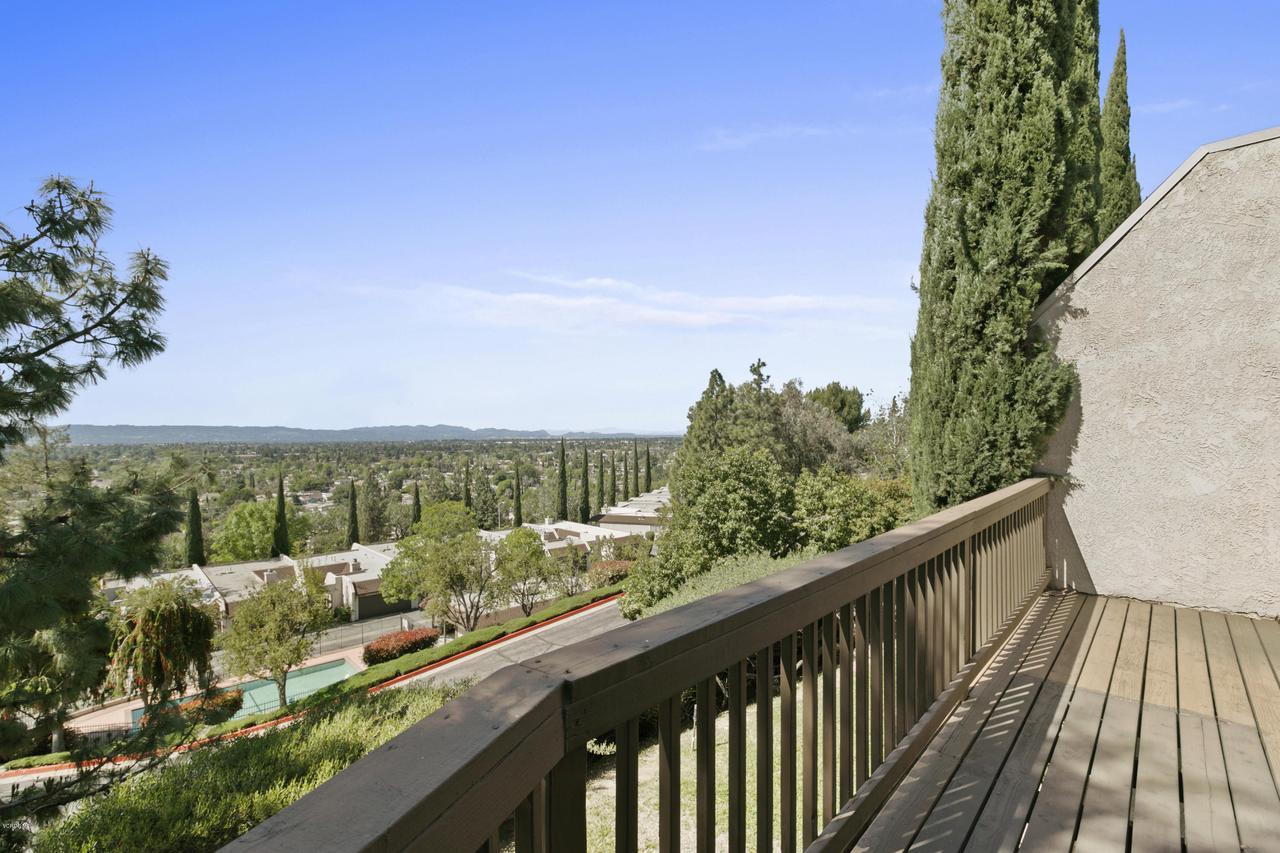 Photo of 15574 VIEWRIDGE LANE #43, Granada Hills, CA 91344