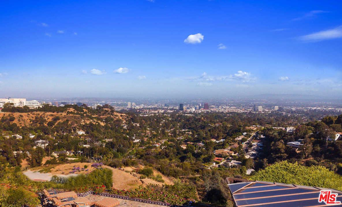 Photo of 1210 CHICKORY LN, Los Angeles, CA 90049