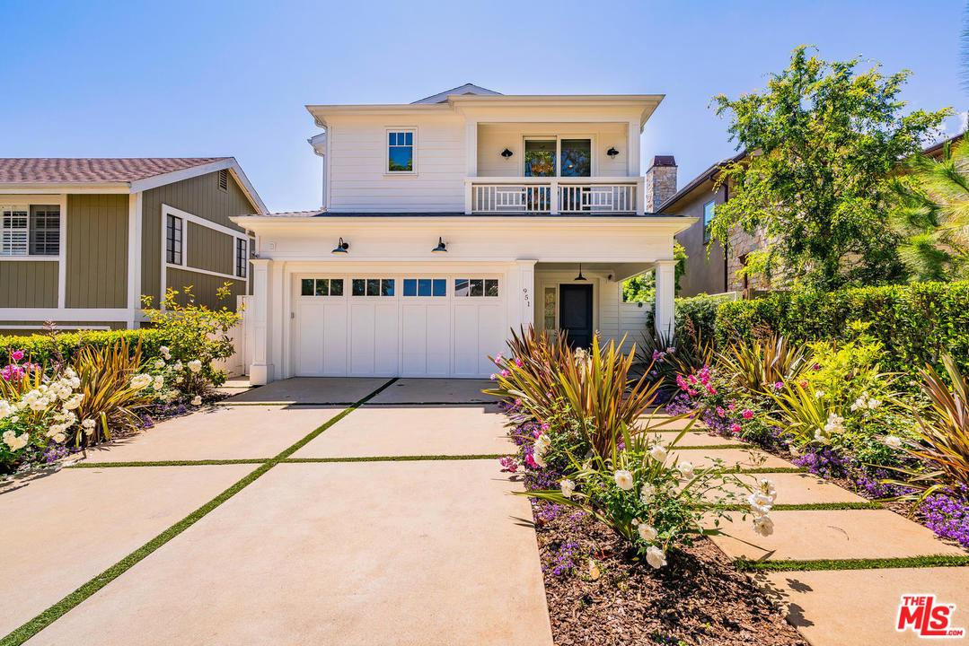 Photo of 951 FISKE ST, Pacific Palisades, CA 90272