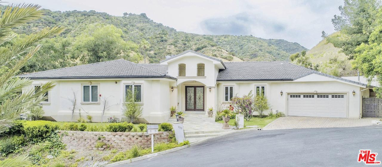 Photo of 9775 PEAVINE DR, Beverly Hills, CA 90210