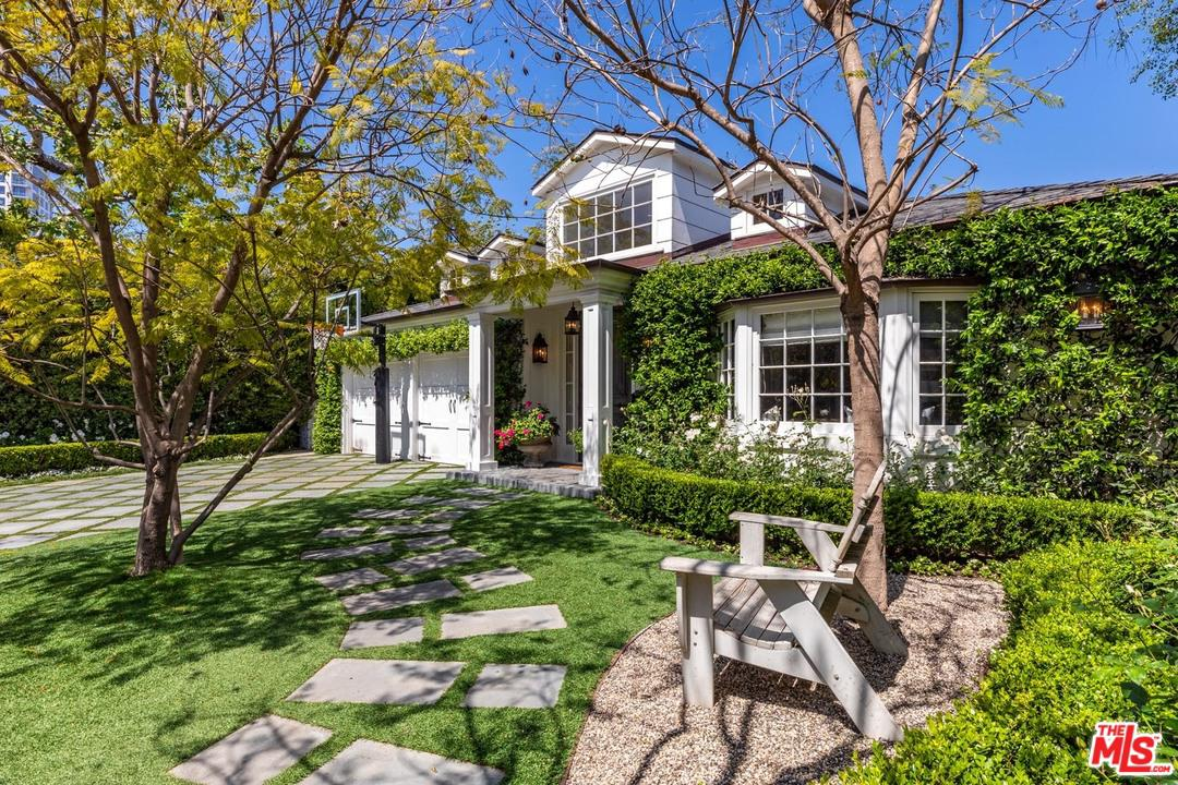 Photo of 1360 CLUB VIEW DR, Los Angeles, CA 90024