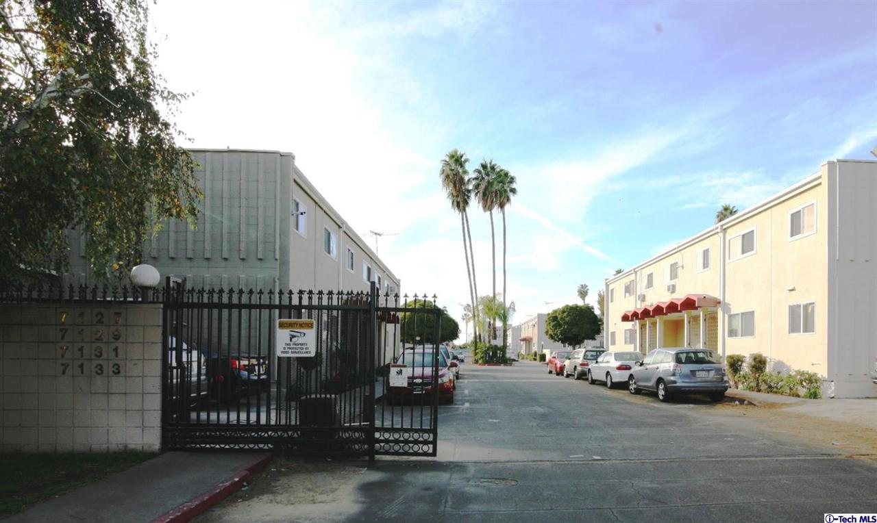 Photo of 7133 COLDWATER CANYON AVENUE #15, North Hollywood, CA 91605