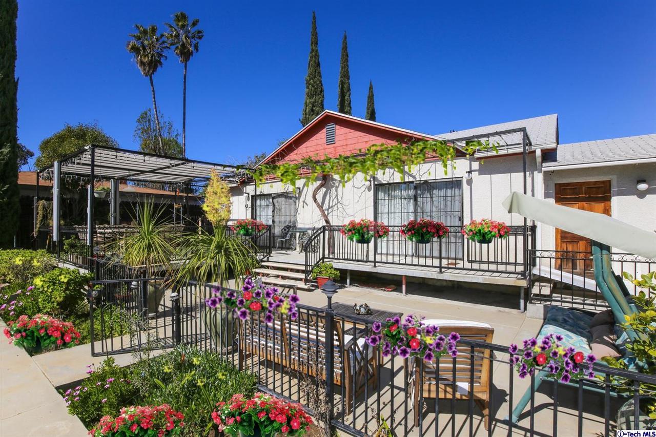 16029 CHASE Street, North Hills, CA 91343