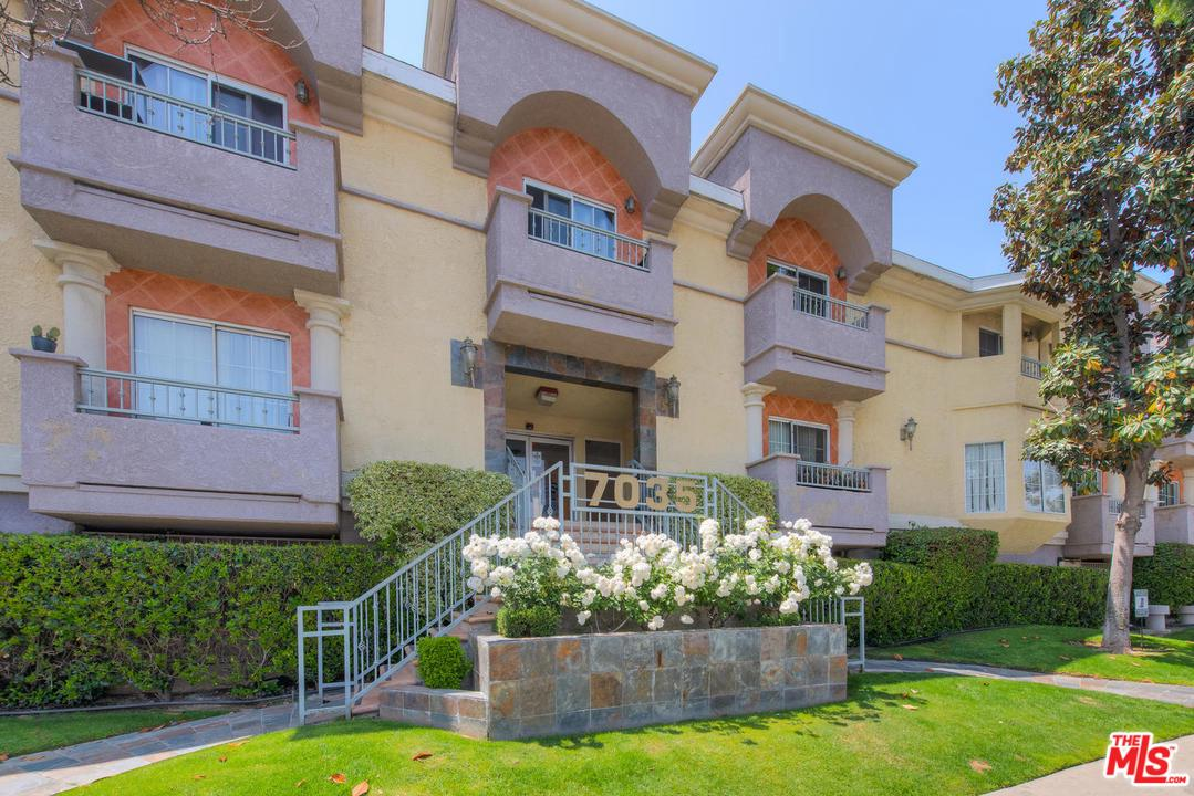 Photo of 7035 WOODLEY AVE, Lake Balboa, CA 91406