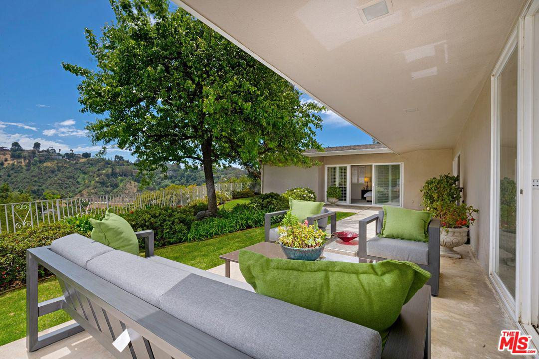 Photo of 9700 ARBY DR, Beverly Hills, CA 90210