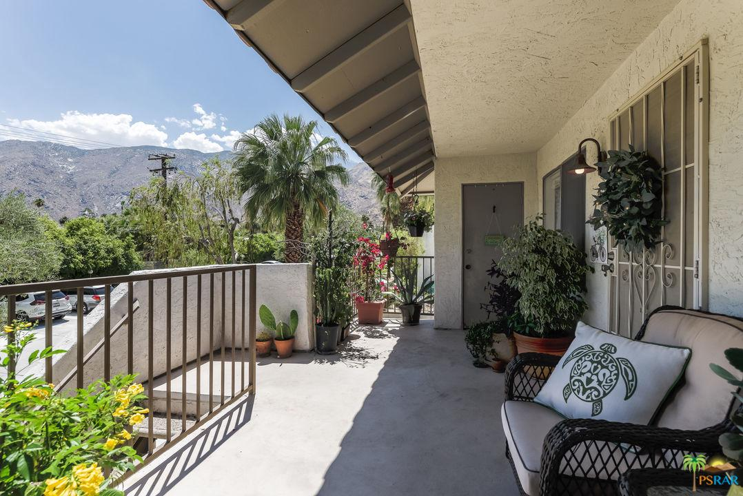 1850 Mira Loma Way Palm Springs Condos Amp Apartments For