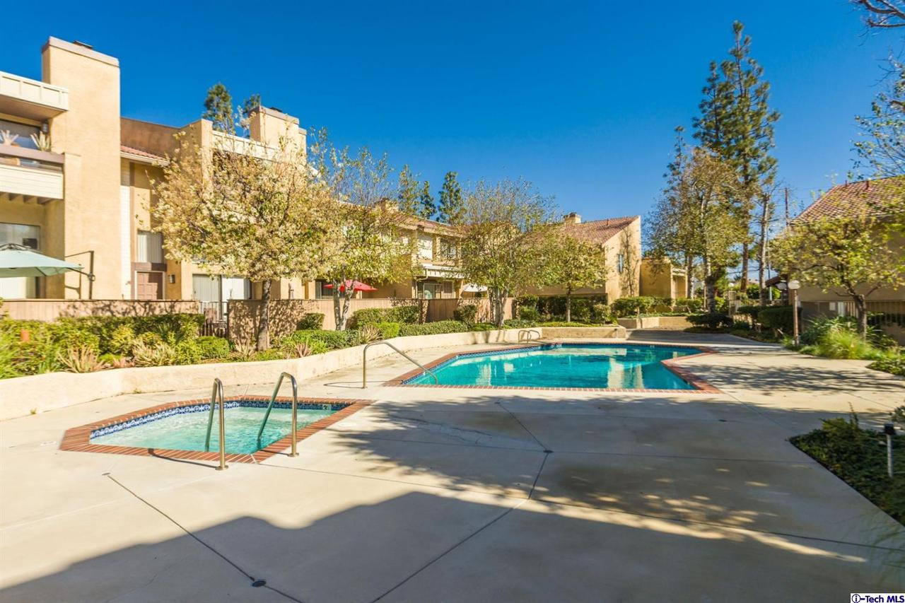 Photo of 10051 TOPANGA CANYON BOULEVARD #13, Chatsworth, CA 91311