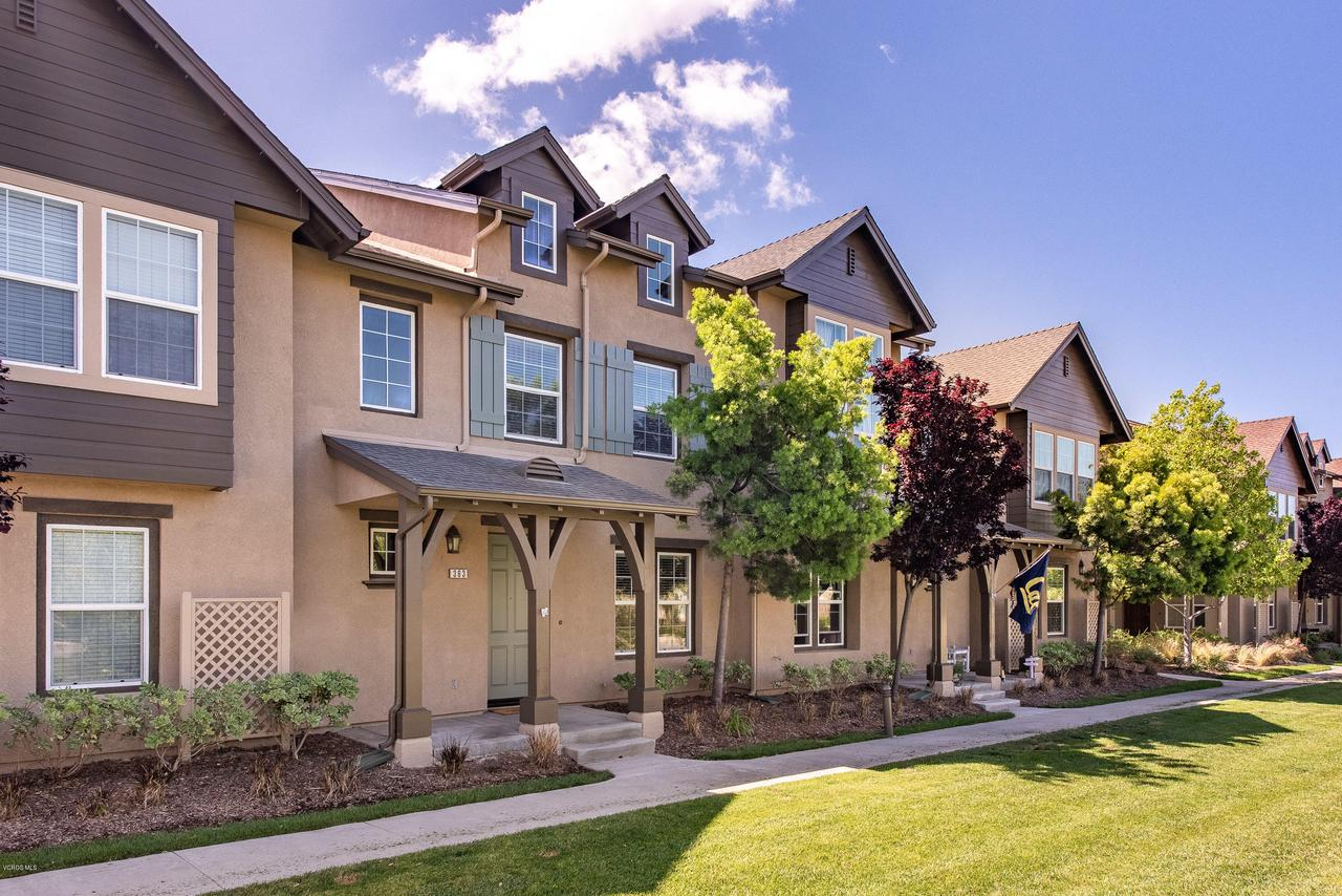 Photo of 363 FEATHER RIVER PLACE, Oxnard, CA 93036