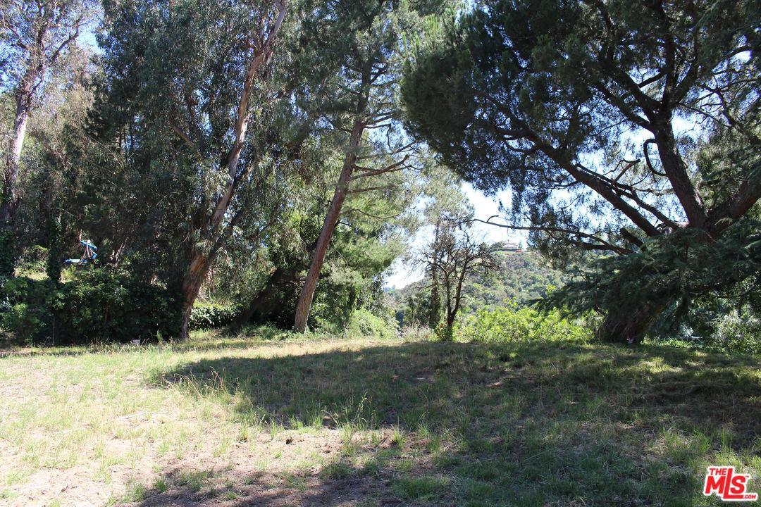 Photo of 2841 ROSCOMARE RD, Los Angeles, CA 90077