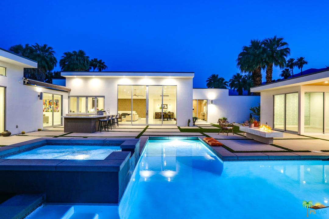 Photo of 540 N CAMINO REAL, Palm Springs, CA 92262