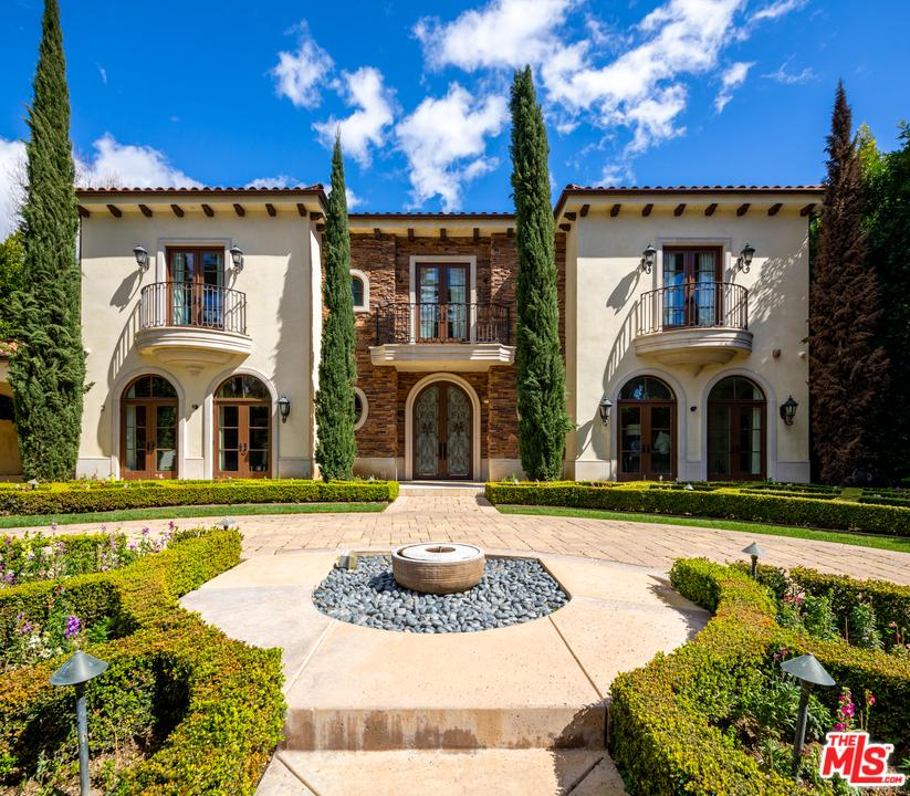 Photo of 926 N BEVERLY DR, Beverly Hills, CA 90210