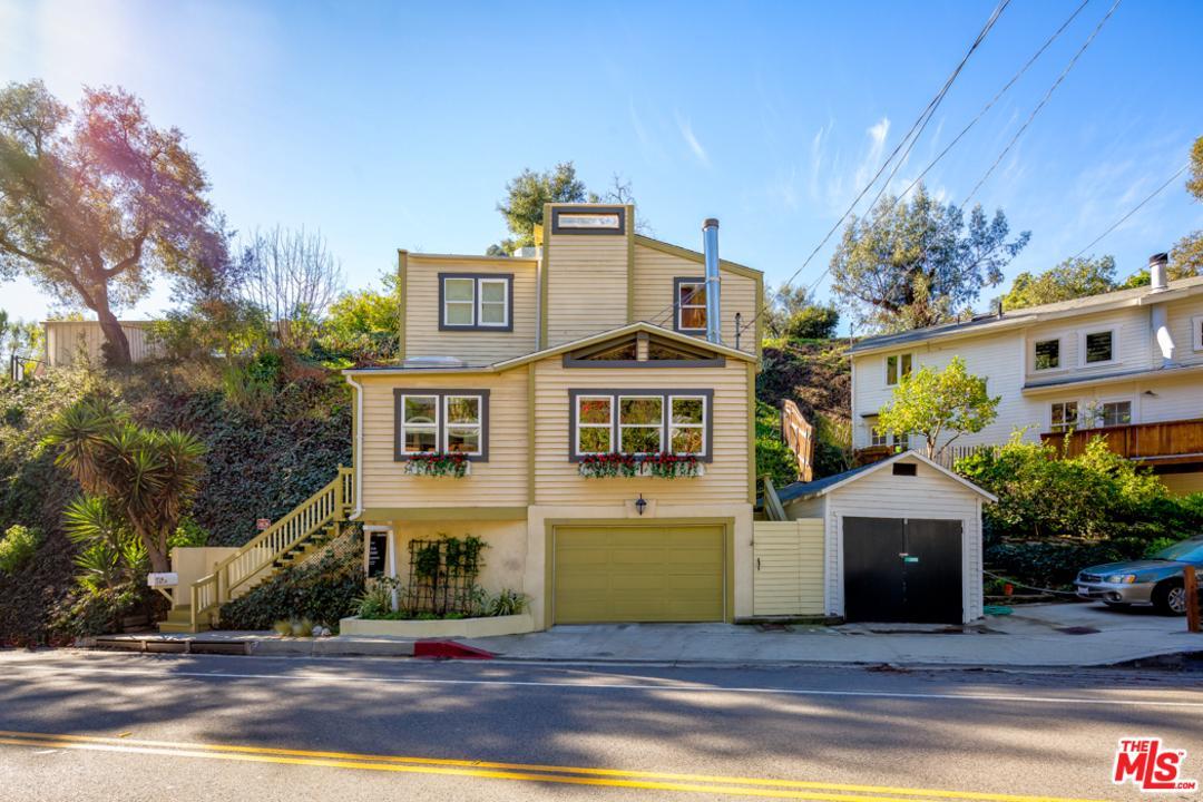 Photo of 1523 N BEVERLY GLEN, Los Angeles, CA 90077