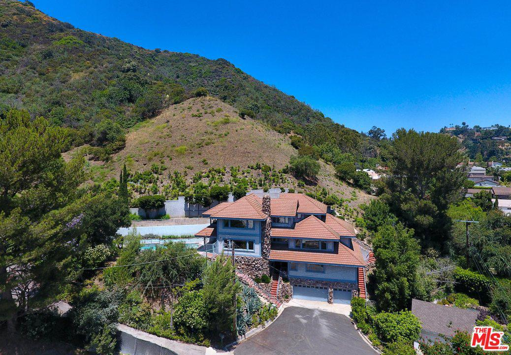 Photo of 9819 CURWOOD PL, Beverly Hills, CA 90210