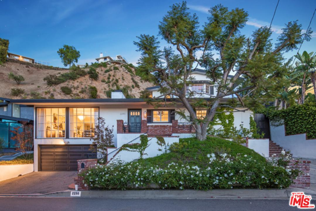 Photo of 2290 GLOAMING WAY, Beverly Hills, CA 90210