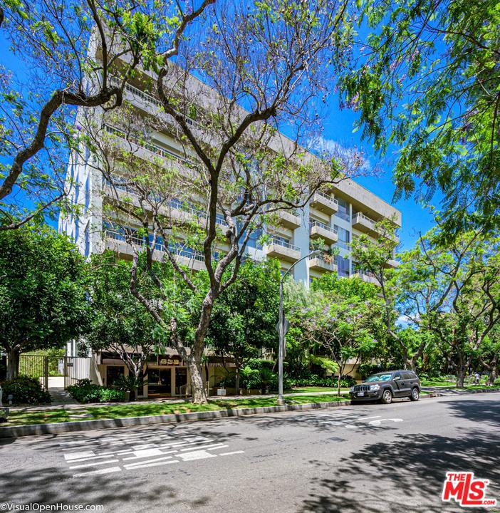 Photo of 339 N PALM DR, Beverly Hills, CA 90210